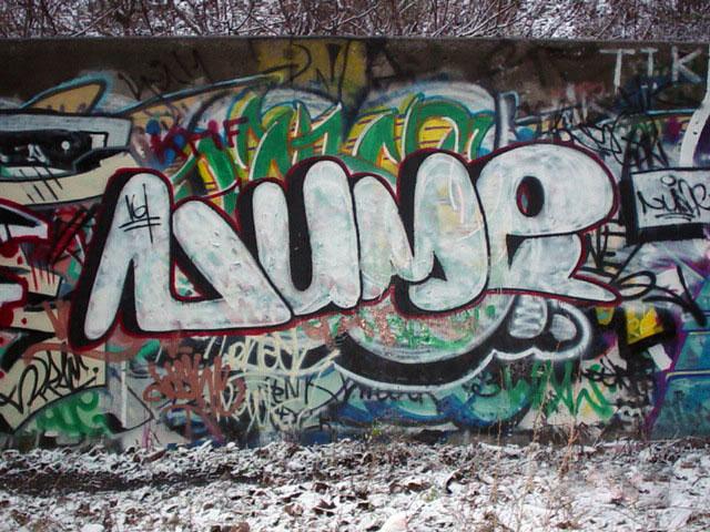 Nume TA Wall 2003 1